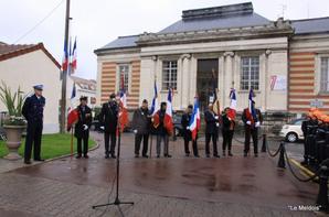 Ceremonie FNACA Stele des Déportés place Henry iv- 20-04-2018