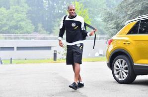 Djibril Sidibé arrive a Clairefontaine