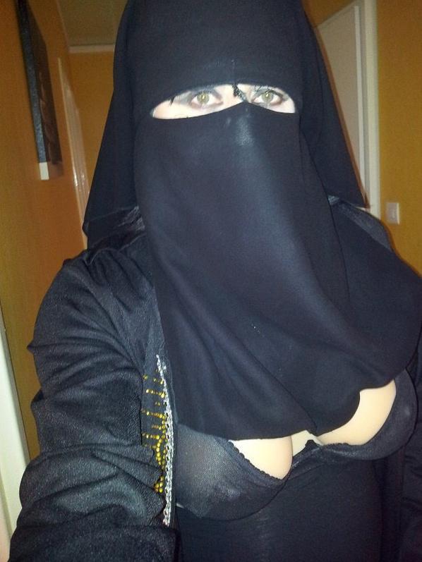 regard de muslima voilée