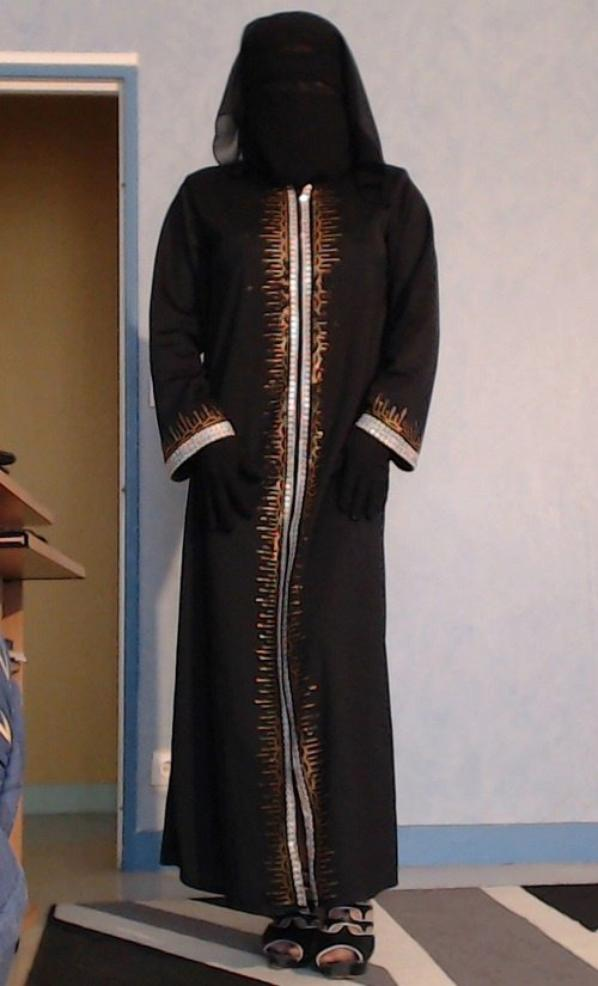 2 facons de porter le niqab