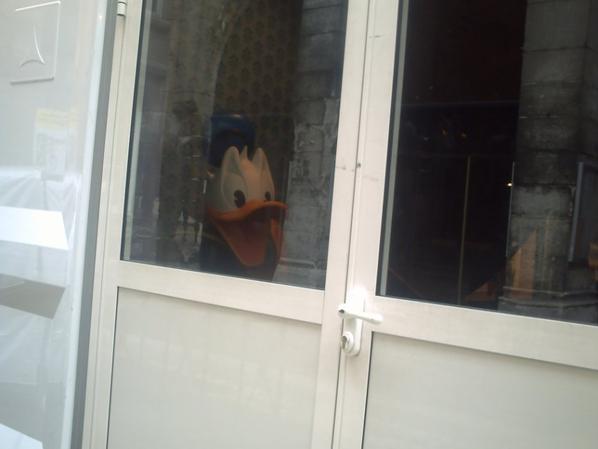 chapiteau de Mickey et Donald, dans la cour de l'Hôtel de Ville
