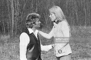 Johnny apprend Sylvie à tirer