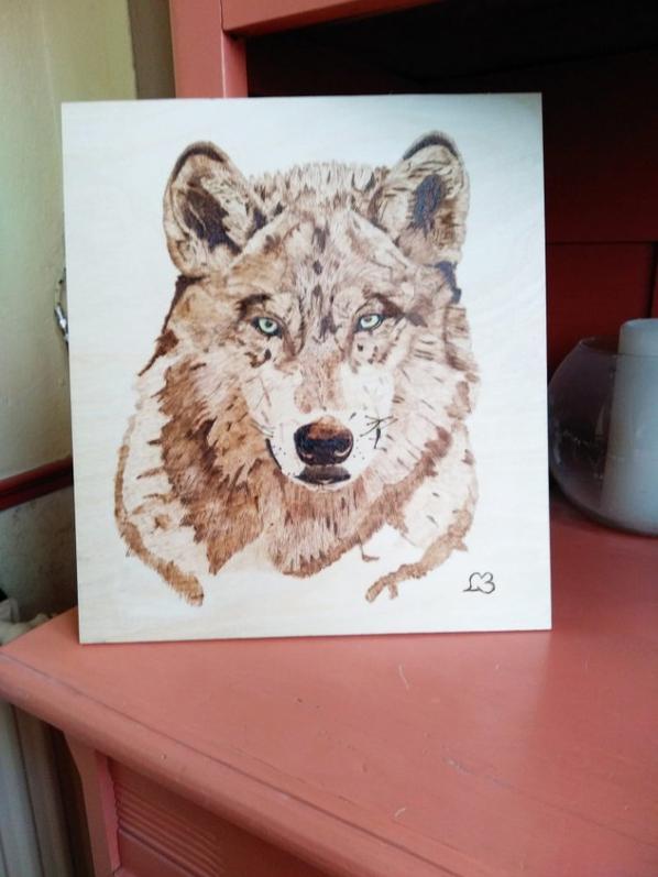Loup pyrogravure