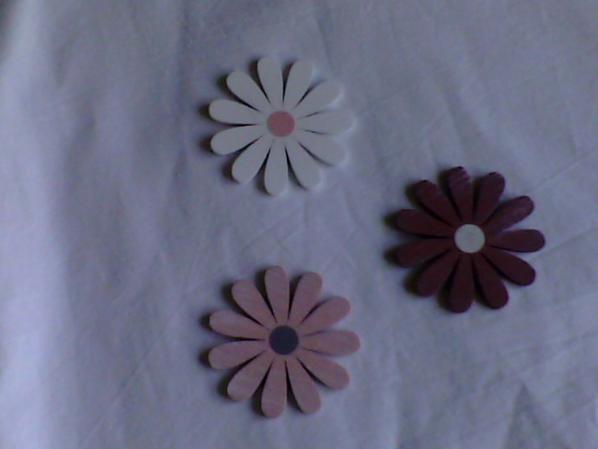 Fleurs en bois et Motifs de pâques en feutrine