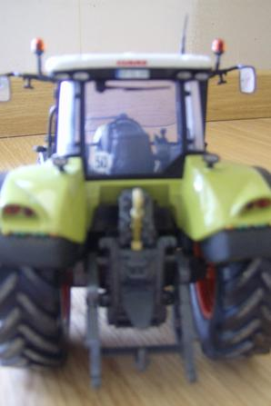 claas arion 640 (Universal Hobbies)