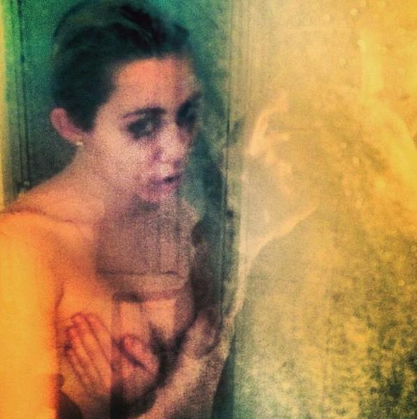 Miley Cyrus avais révèlé quel voulait choqué, autant vous dire que c'est fait !