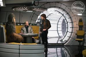L'équipe de Solo explique l'apparence différente du Faucon Millenium