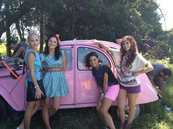 Les filles de Violetta ! Trop belles !