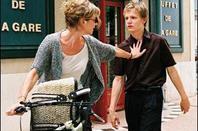 """"""" Il y a 16 ans, vous avez eu un fils, Louis, c'est moi. """" - Dans tes bras"""