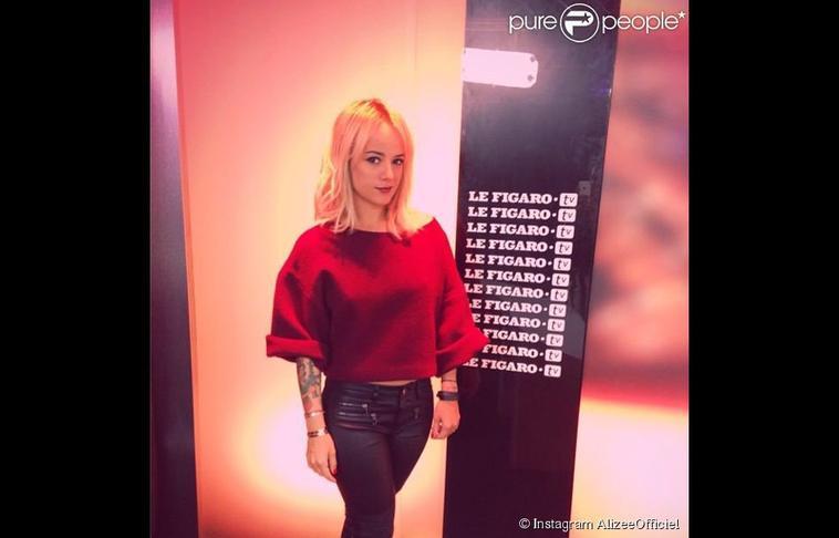 Alizée en plein marathon promotionnel pour son album blonde, le 17 juin 2014 à Paris....