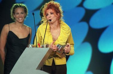 Mylène Farmer - M6 Awards - 17 novembre 2000