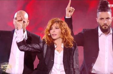 Mylène Farmer a mis le feu aux Arènes de Nîmes avec « Rolling Stone »