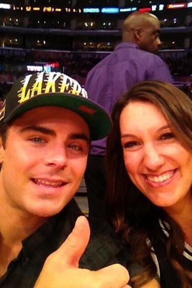 Zac assiste à un match des Lakers à Los Angeles - 28 Avril & Zac nous laisse un message vidéo !