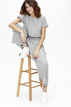 Nouvelle photos promotionnelles de Tini pour sa marque Tini By Martina Stoessel (Mars 2017)