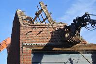 Dernier bâtiment immeuble à appartement démolition