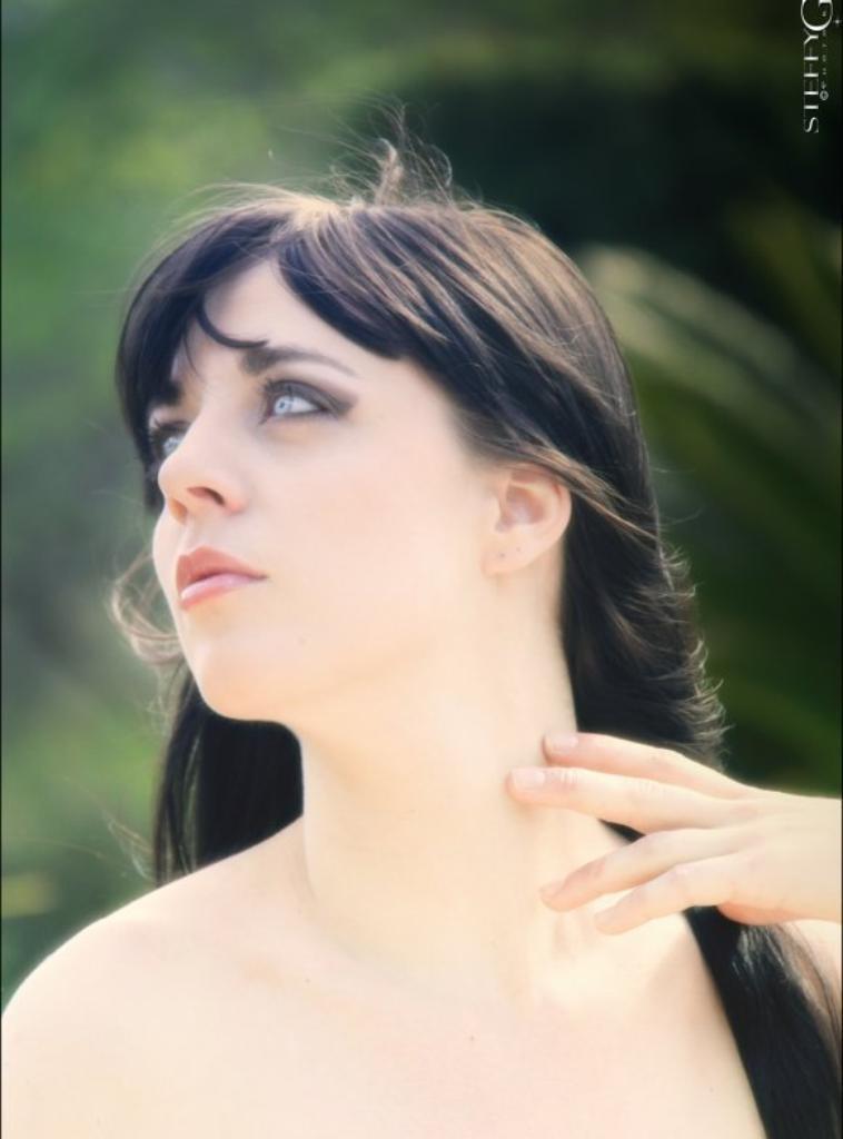 """Portrait de Kiroya - Modèle dessiné à partir de la photo de Steffy Giaus Photographe..!!!!!!!!!!!!!!!!!!!!!!!!!!!!! """"Pour peindre les portraits, observez les modèles. """""""
