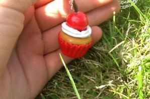 Cupcake romantique avec une cerise <3