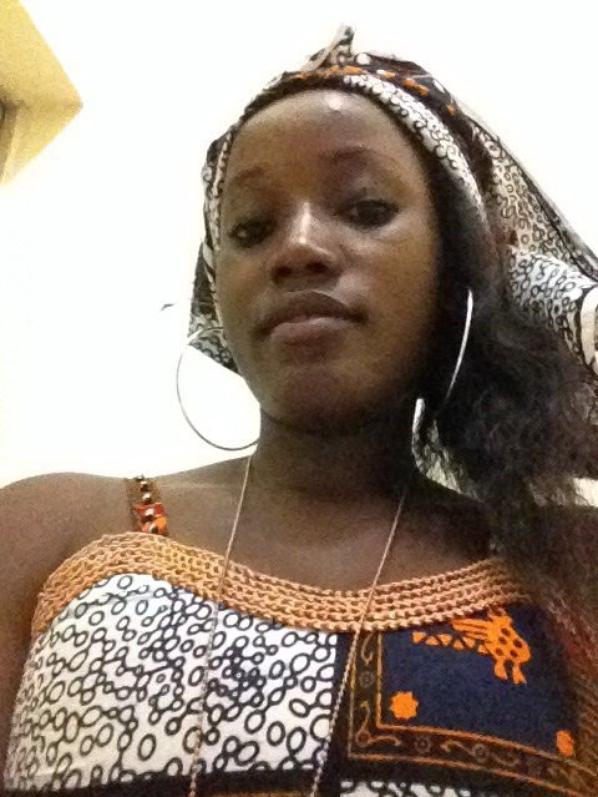 En tenue africaine que je suis lol