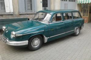 """autos anciennes 2/4 moi qui adore admirer des bagnoles """"cougars"""","""