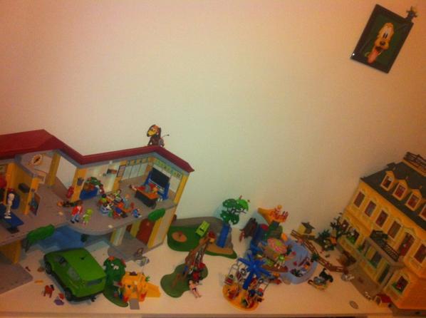village de playmobil de mon fils