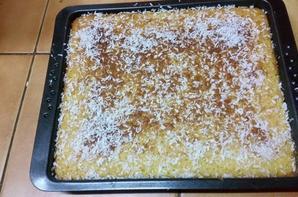 Gâteau de semoule à l'orange.
