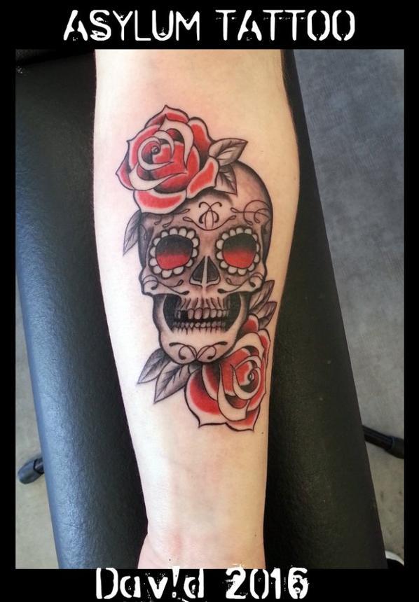 ASYLUM TATTOO POITIERS | Tattoo TETE DE MORT SKULL