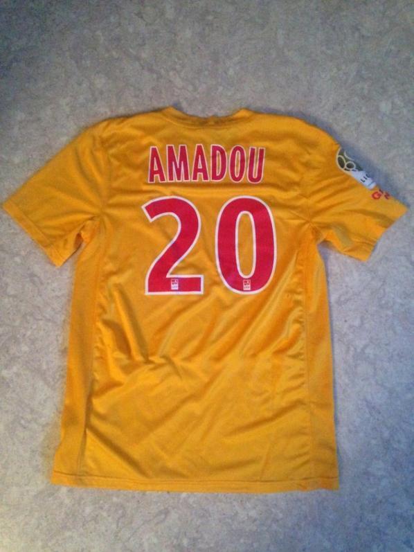 Maillot de Amadou avec sponsort ( je suis charlie) match Angers Asnl