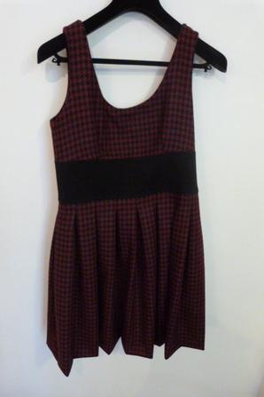 La même robe mais pas les même veste x)