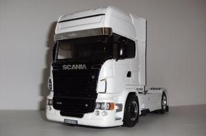 SCANIA R730 Black & White
