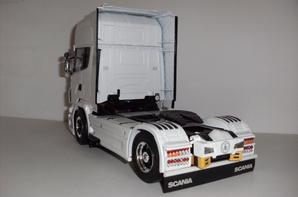 SCANIA R730 Black & White