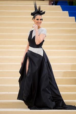 .  01/05/2017 : Céline était au Met Gala Red Carpet.