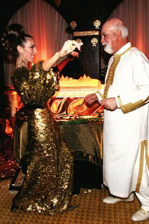 .  05/01/2000 : Céline et René se remariaient selon les traditions arabes à Las Vegas.  Explosion d'amour ce jour-là. [/font=Arial]    .