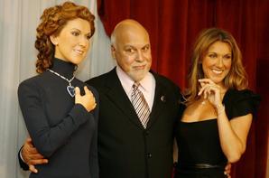 .  07/05/2006 ♥ : Céline découvre sa statue de cire à Las Vegas fait par le musée Grévin.