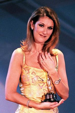 ".  17/04/1997 :   Céline était aux ""World music Awards"""