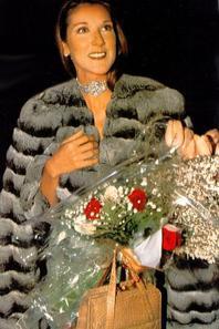 .  En 30/03/1998 :  Céline fêtait son anniversaire   La belle a eu 30 ans ce jour-là. [/font=Arial]    .