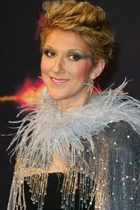 """.   25/03/2003 : Céline fait sa première représentation du show """" A new day """" à Las Vegas."""