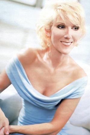 .   2003 : Photoshoot de Céline.   J'ai vraiment de la peine avec cette couleur de cheveux.[/font=Arial]    .