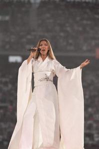 .  19 et 20/06/1999 : Céline remplissait le stade de France.   Et nous annonçait que René allait bien. ♥ [/font=Arial]    .