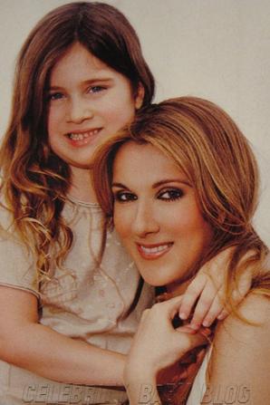 .  20/03/2007 : Céline et sa famille étaient à Disney world en Floride.