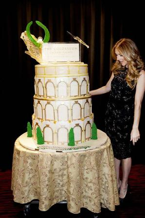 .  16 et 19/03/2013 : Céline était aux 10 ans du Caesars Palace + aux Billboard Music Awards   Elle a remis un prix à la chanteuse Taylor Swift[/font=Arial]    .