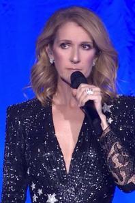 .  03/10/2017 : Céline rend hommage à toutes les victimes de la fusillade à Las Vegas   Elle donnera la totalité de l'argent gagné ce soir-là pour les victimes et leur famille[/font=Arial]    .