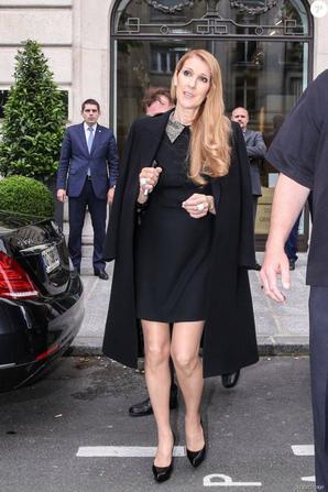 .  Zoom Mode : Céline aime la mode et a relativement changé son look au fil des années  Voici 4 looks de 2016, qu'en pensez-vous?  .
