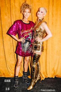 .  05/08/2018 :Céline est allée voir Katy Perry en concert Et elle s'est fait un look de circonstance ! Elle est démente! ♥  .