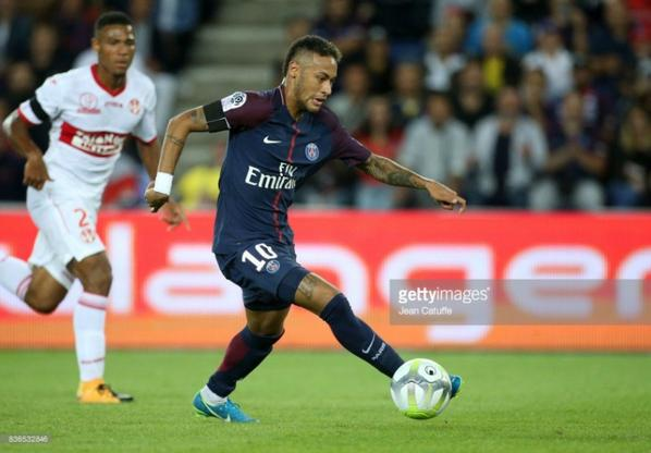 Photos de Kelvin Amian lors du match PSG TFC du 20/08/2017