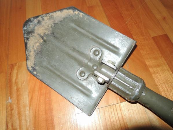 pelle U.S de modèle pliable 1943
