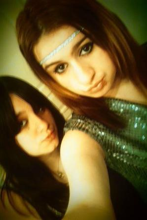 moi et ma petite soeur  pour laa nouvelle  année 2014