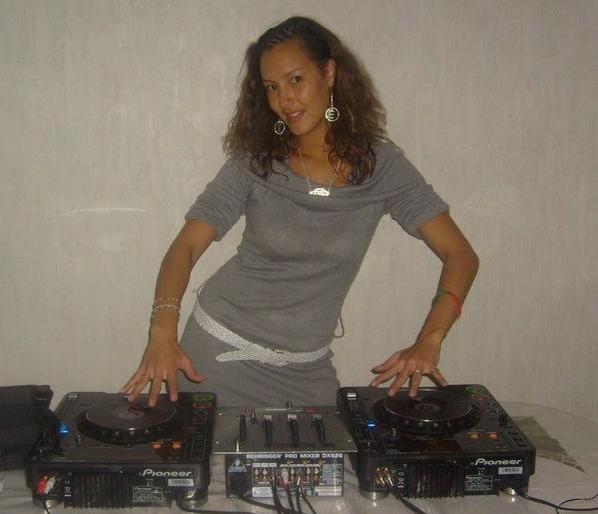DJ !!! HAHA