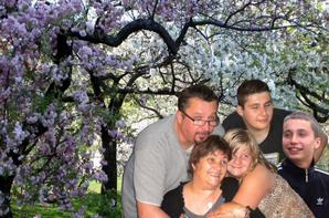 ma famille mes freres et soeur mon papa et maman et mes enfants