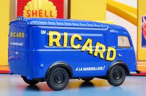 Renault 1000Kg Ricard.