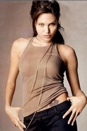 Angelina Jolie : Montage